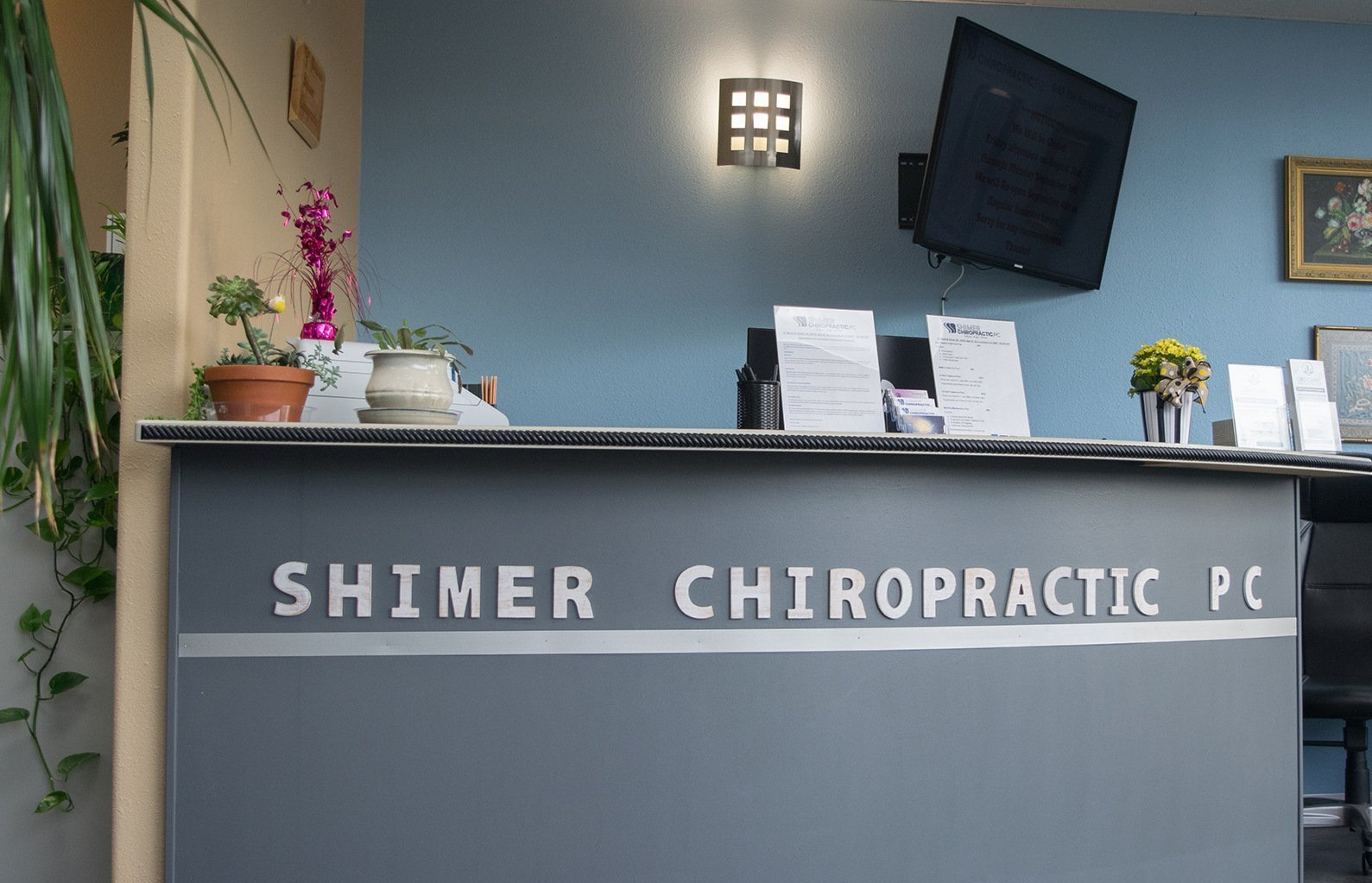 Reception Desk at Shimer Chiropractic Longmont CO